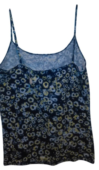 Preload https://item1.tradesy.com/images/aeropostale-floral-tank-topcami-size-6-s-2105815-0-0.jpg?width=400&height=650