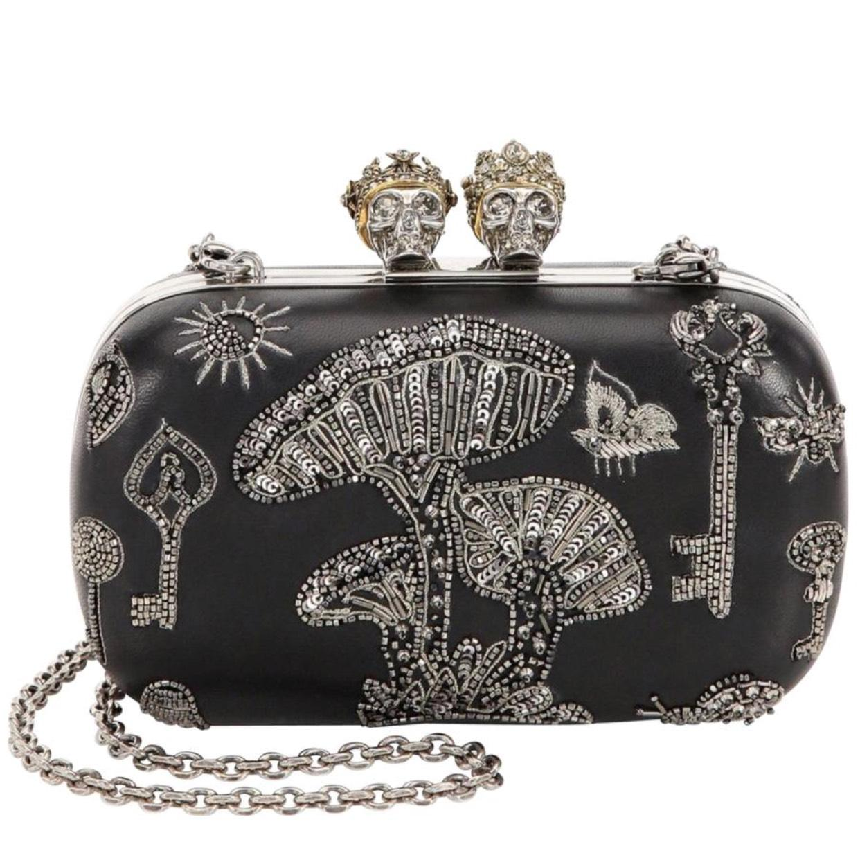 Outlet Footlocker Alexander McQueen Queen And King clutch Wholesale Price Online Free Shipping Release Dates Looking For Sale Inexpensive i27YYr