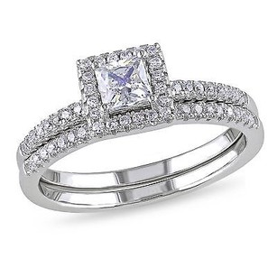 Amour Sterling Silver 4mm Square 1mm Round White Cubic Zirconia Ring Set