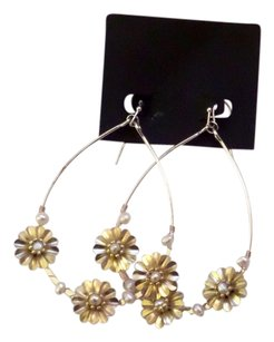 Anthropologie Brand new Anthropologie Hoops with pearl and flower details