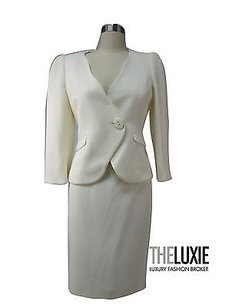 Armani Collezioni Armani Collezioni Ivory Jacket Skirt Elegant Timeless 100 Virgin Wool