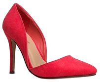 Breckelle's Red Pumps