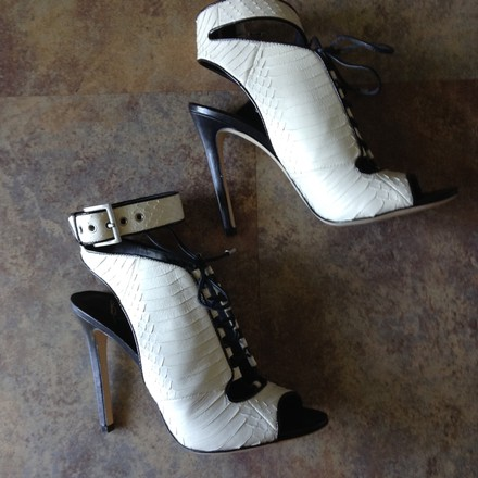 Brian Atwood Snakeskin Leather Monochrome NEW white Sandals