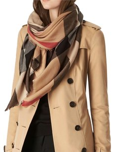 Burberry Light weight Burberry scarf