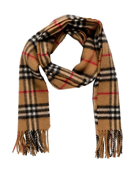 The Burberry Scarf Is Back!