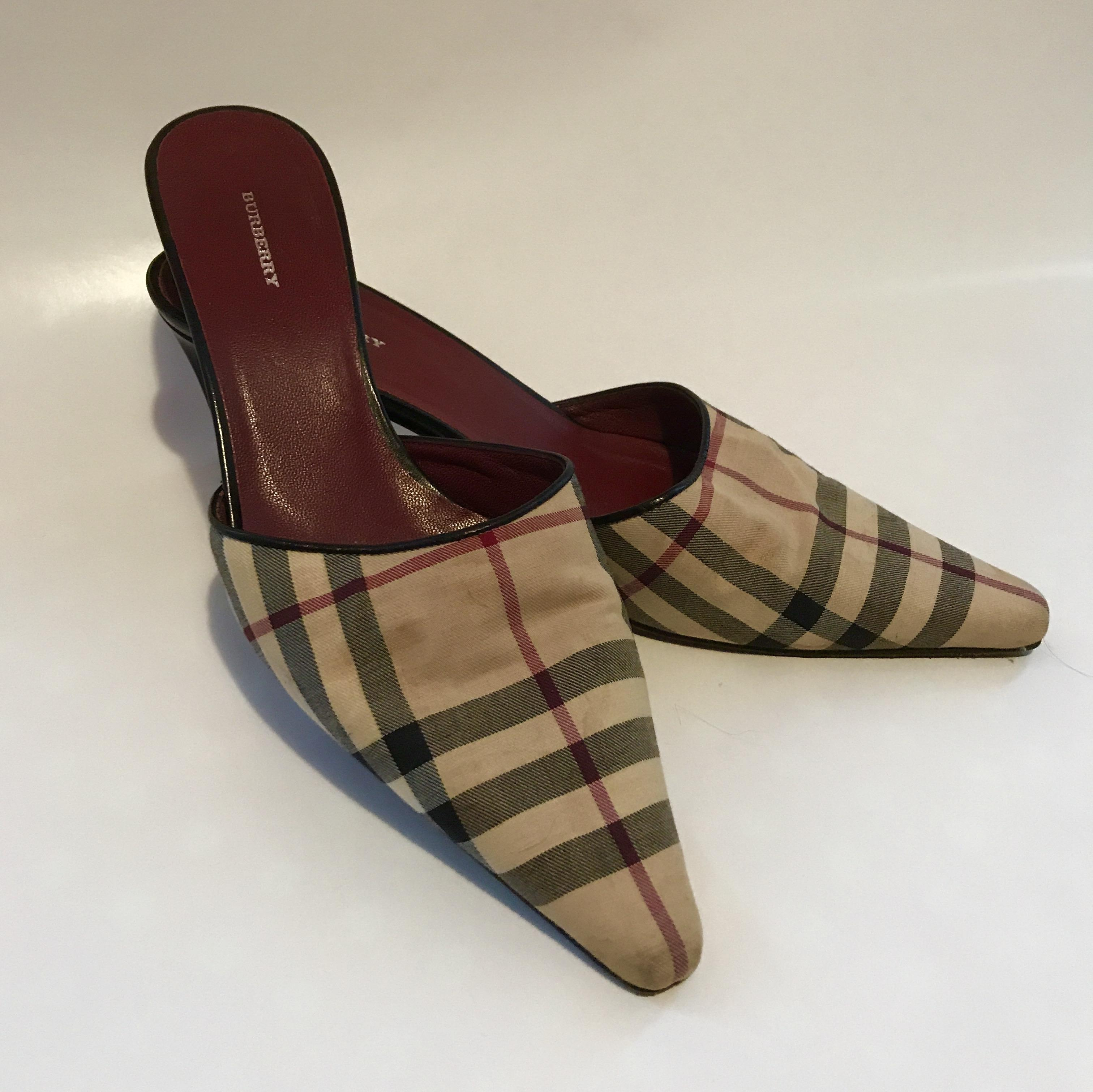 Burberry Pointed-Toe Leather Mules outlet 2014 newest amazon for sale MFkCNIit