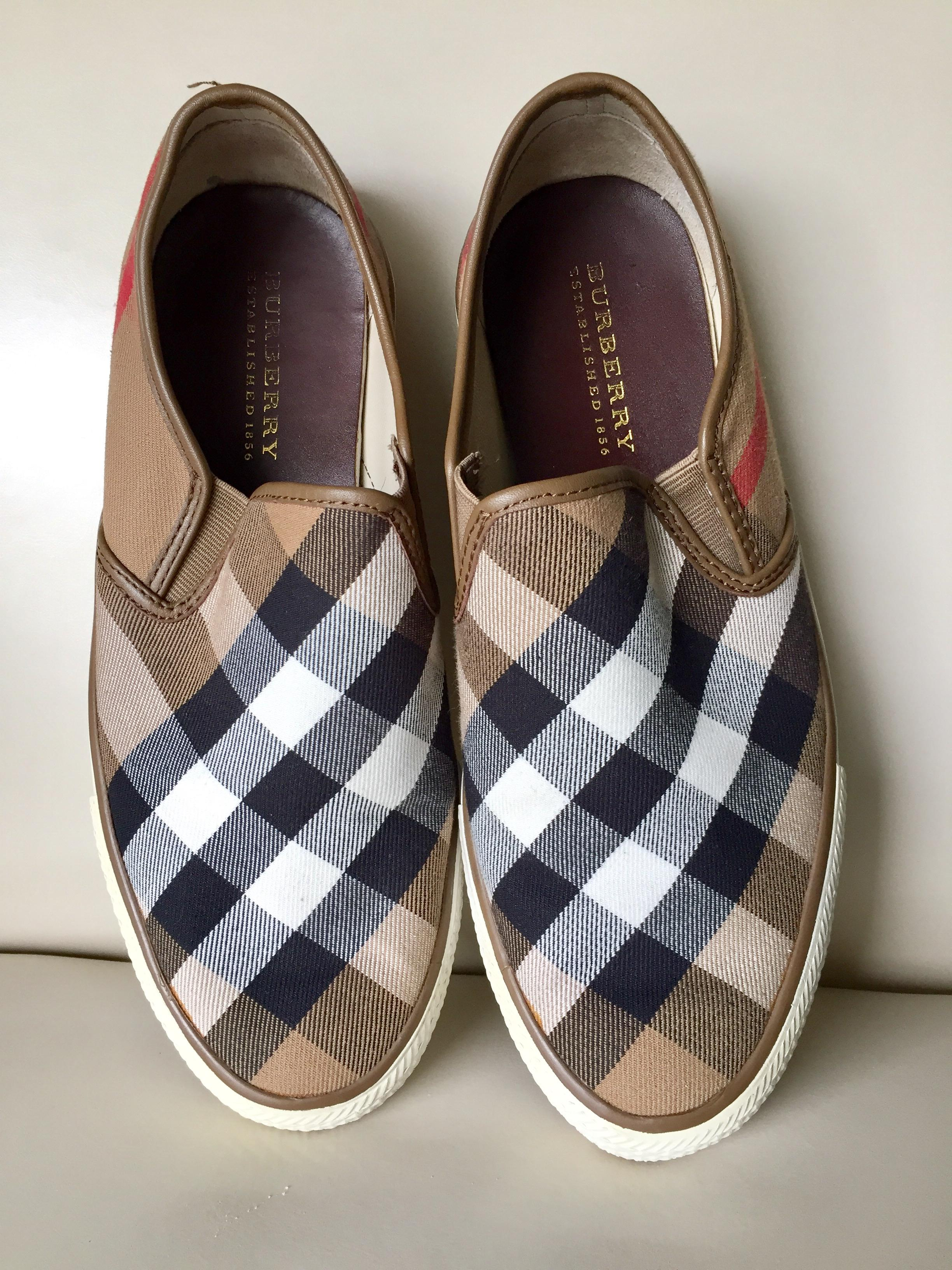 Burberry Plaid On Flats Größe EU 40 (Approx. US B 10) Regular (M, B US ... 2470e1