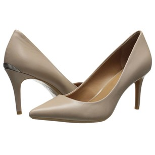 Calvin Klein cocoon leather Pumps