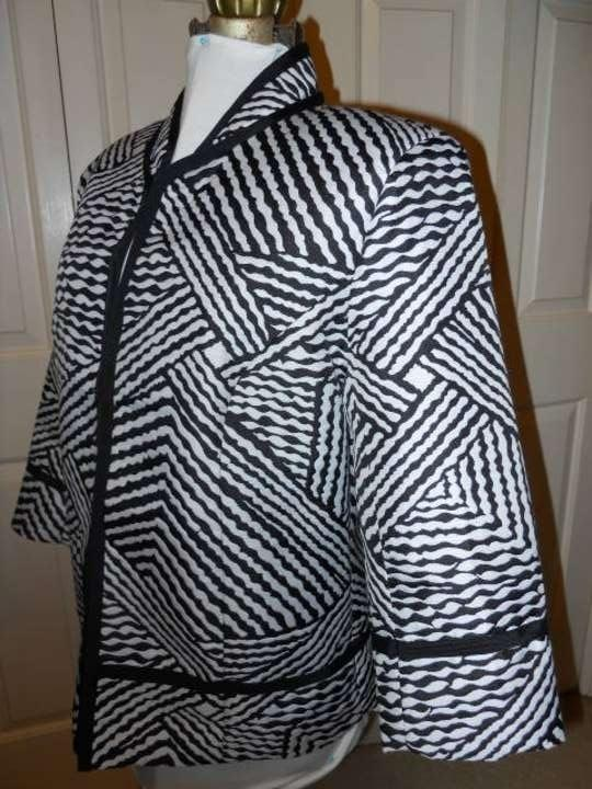 Carole Little Black & White 3/4 Sleeve Blazer