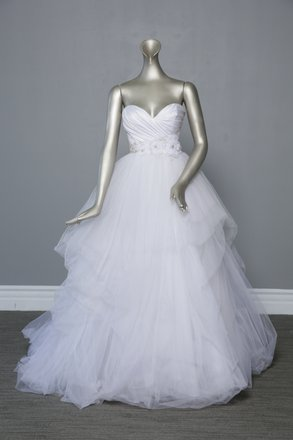Preload https://item1.tradesy.com/images/casablanca-whitesilver-accents-tulle-skirtsatin-bodice-style-2103-formal-wedding-dress-size-6-s-10295485-0-0.jpg?width=440&height=440