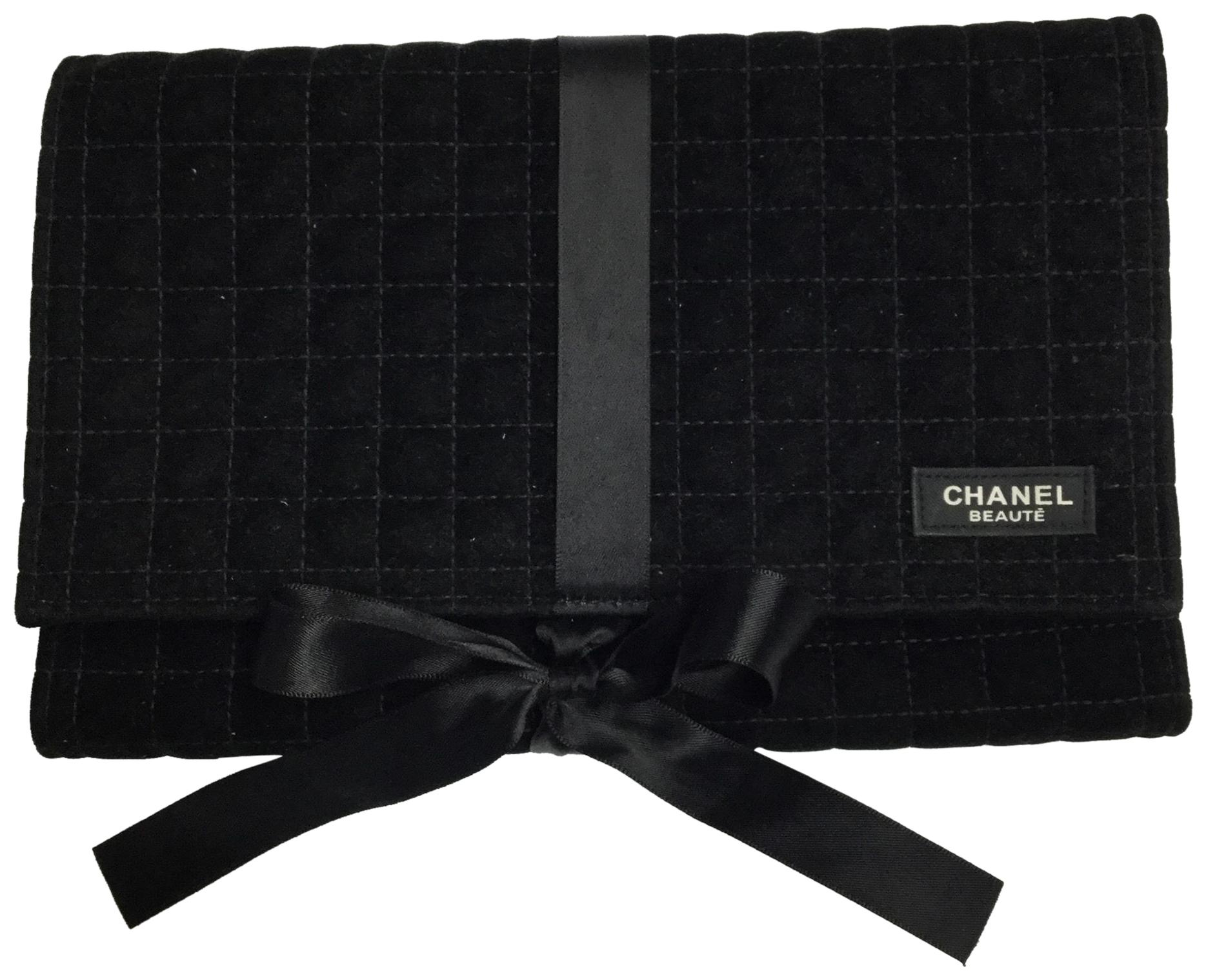 chanel beaute black quilted velvet makeup cosmetic bag