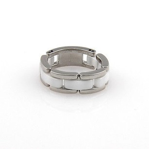 Chanel Chanel 18k White Gold White Ceramic Link Designer Ring -