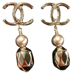 Chanel Chanel 2017 Gold Facet Drop Dangling Earrings with Pearl Limited Edition