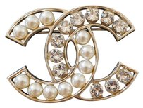 Chanel Chanel Classic Large Pearl Crystal CC Logo Gold Metal Brooch