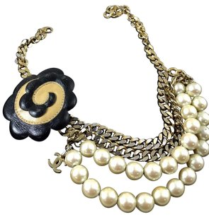 Chanel Vintage Chanel Camellia Accessories Clip. Faux Pearls Leather Not Necklace