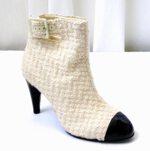 Chanel Womens Tweedblack Ivory Boots