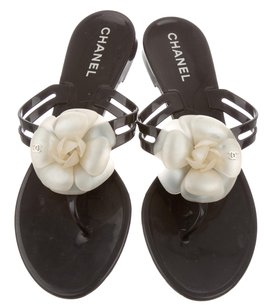 Chanel Jelly Camellia Interlocking Cc Logo Gold Hardware Black/White Sandals