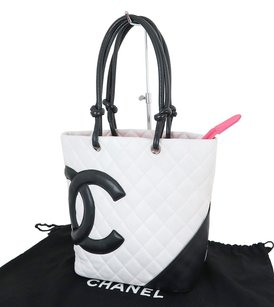 Chanel Leather 8863560 Tote in White and Black