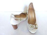 Chloé Chloe Round Toe butter cream Pumps