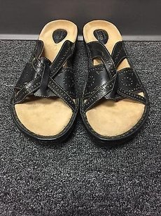 Clarks Artisan Collection Brown Sandals