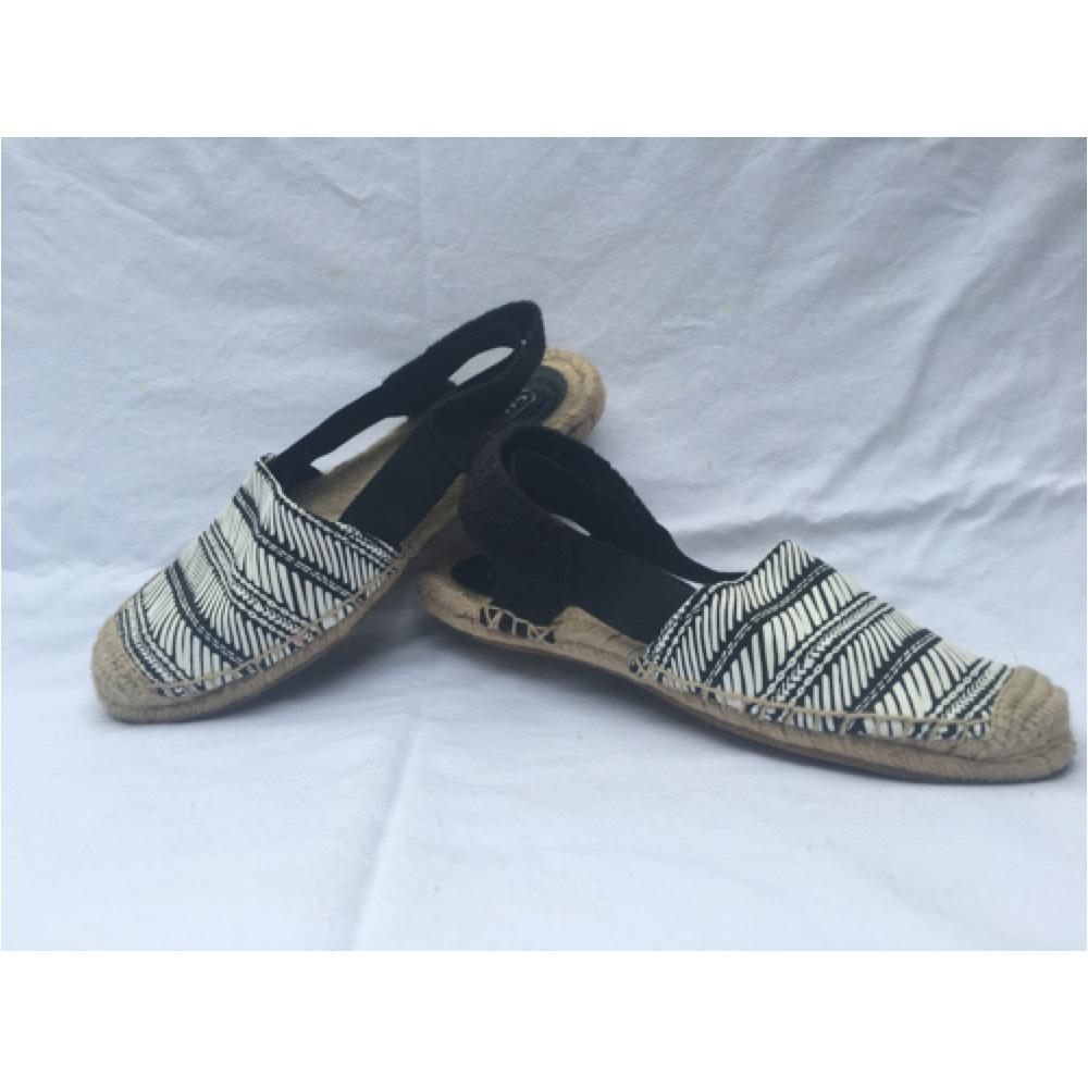 coach rayanne black white sandals on sale 60