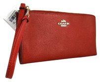 Coach COACH EMBOSSED TEXTURED ZIPPY RED WRISTLET