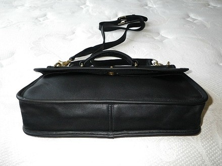 Coach Dooney Bourke Gucci Chanel Louis Vuitton Vintage Rare Tote in Black