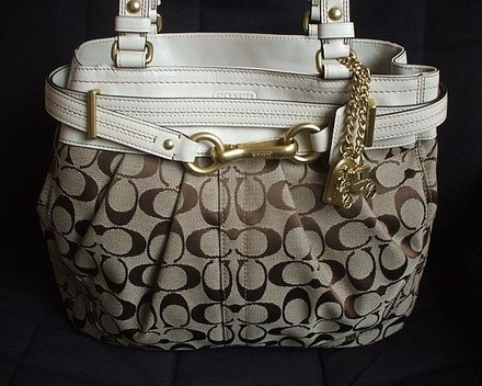 Coach Louis Vuitton Dooney Bourke Vintage Tote in Khaki, WHITE