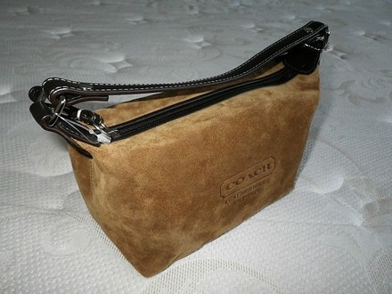 Coach Dooney Bourke Chanel Vintage Louis Vuitton Tote in Brown