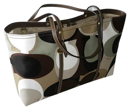 Coach Hermes Channel Gucci Dooney Bourke Vintage Tote in Olive Geen, Brown, White