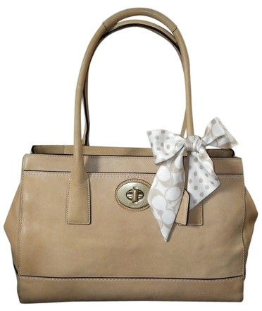 Preload https://item1.tradesy.com/images/coach-lg-madeline-purse-satchel-w-sig-c-scarf-beigecamelnatural-leather-tote-813290-0-0.jpg?width=440&height=440