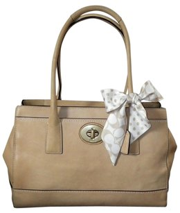 Coach Louis Vuitton Dooney Bourke Tote in Beige/Camel/Natural