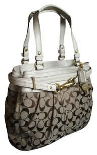 Coach Louis Vuitton Dooney Bourke Tote in Khaki, WHITE