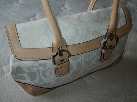 Coach Louis Vuitton Dooney Bourke Gucci Channel Rare Vintage Tote in Whites