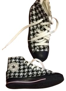 Converse Black/White Houndstooth Athletic