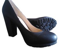 Deena & Ozzy Treaded Pump Black Pumps