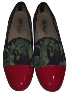 Del Toro Red and green Flats