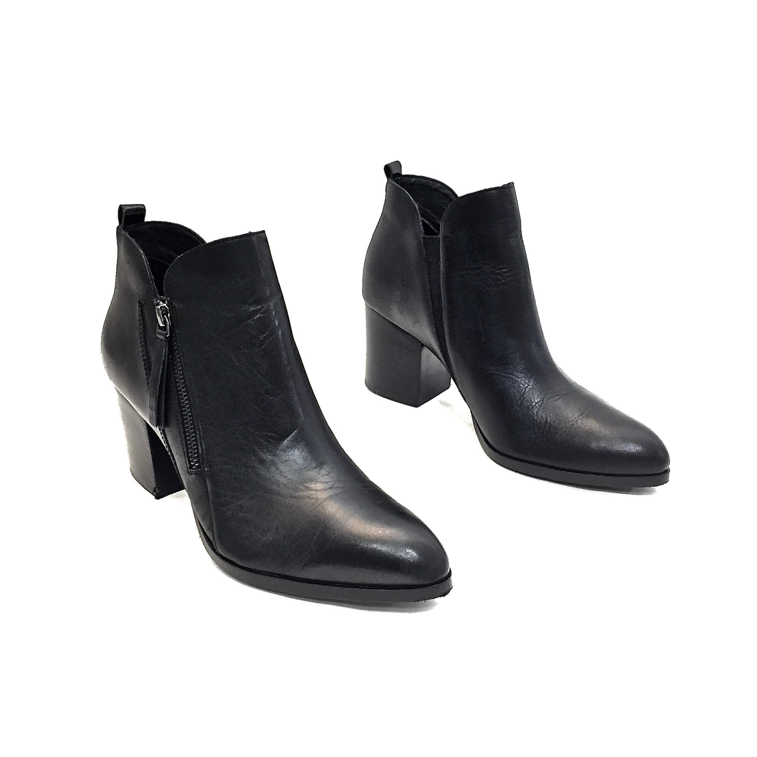 19eb704f8d4 Donald Donald Donald J. Pliner Black Leather Pointy Toe Zip-up Ankle ...