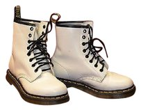 Dr. Martens A8 Wmns 11821 Eight Eye Leather Eu Ivory Boots