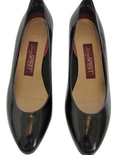Easy Spirit Black Patent Leather Pumps
