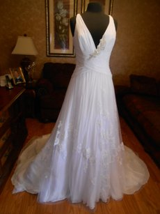 Enzoani Brand New Elloise Wedding Dress