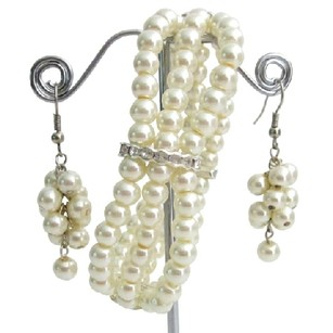 Fashion Jewelry For Everyone Ivory Pearls Rhinestone Stretchable Bracelet 3 Strand Dangling Set