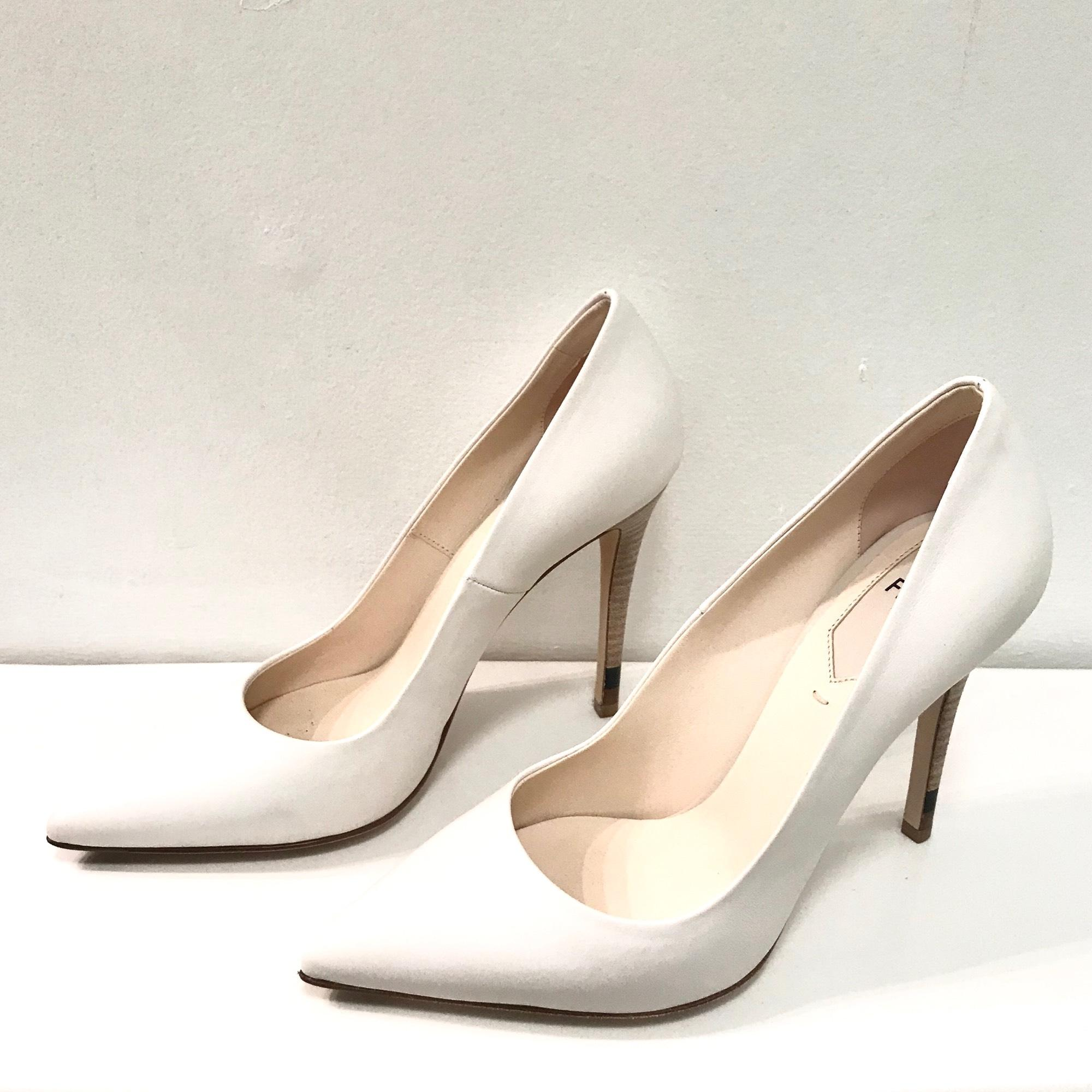 190e890b951 ... B Fendi White Ice Anne Stiletto Pumps Size US 7 7 7 Regular (M
