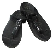 FitFlop Patent Leather Embellished Rubber Sole B2982 black Sandals