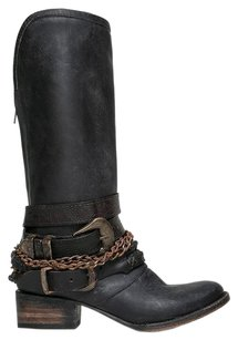 FreeBird Closed-toe Black Boots