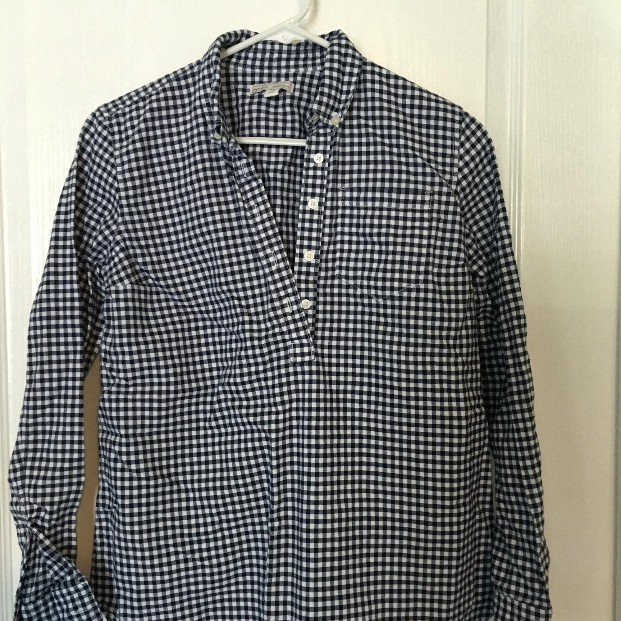 Gap Maternity gingham button down