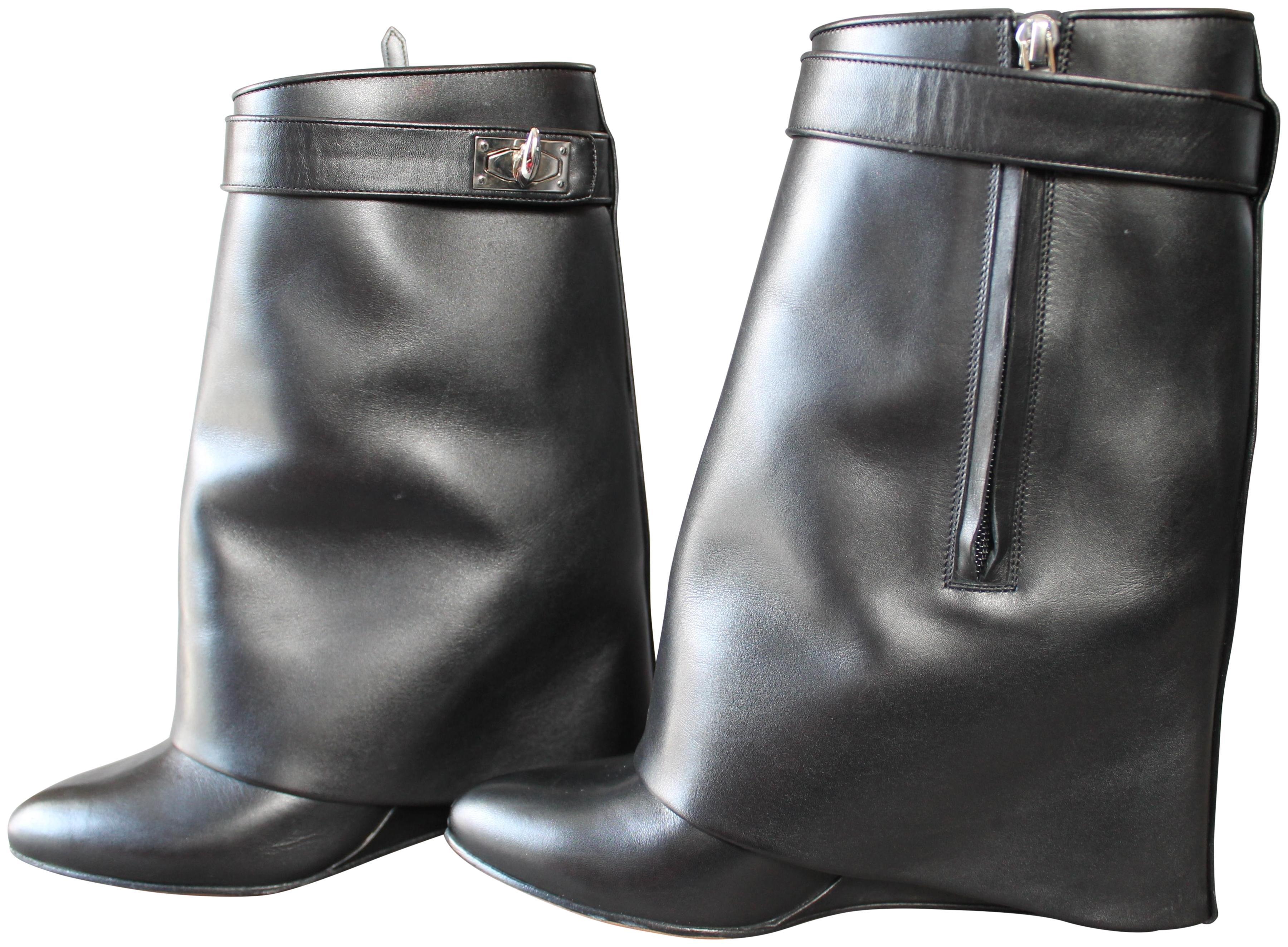 Givenchy Black Leather Shark Tooth Lock Foldover Wedge Heel Boots/Booties Size EU 39.5 (Approx. US 9.5) Regular (M, B)