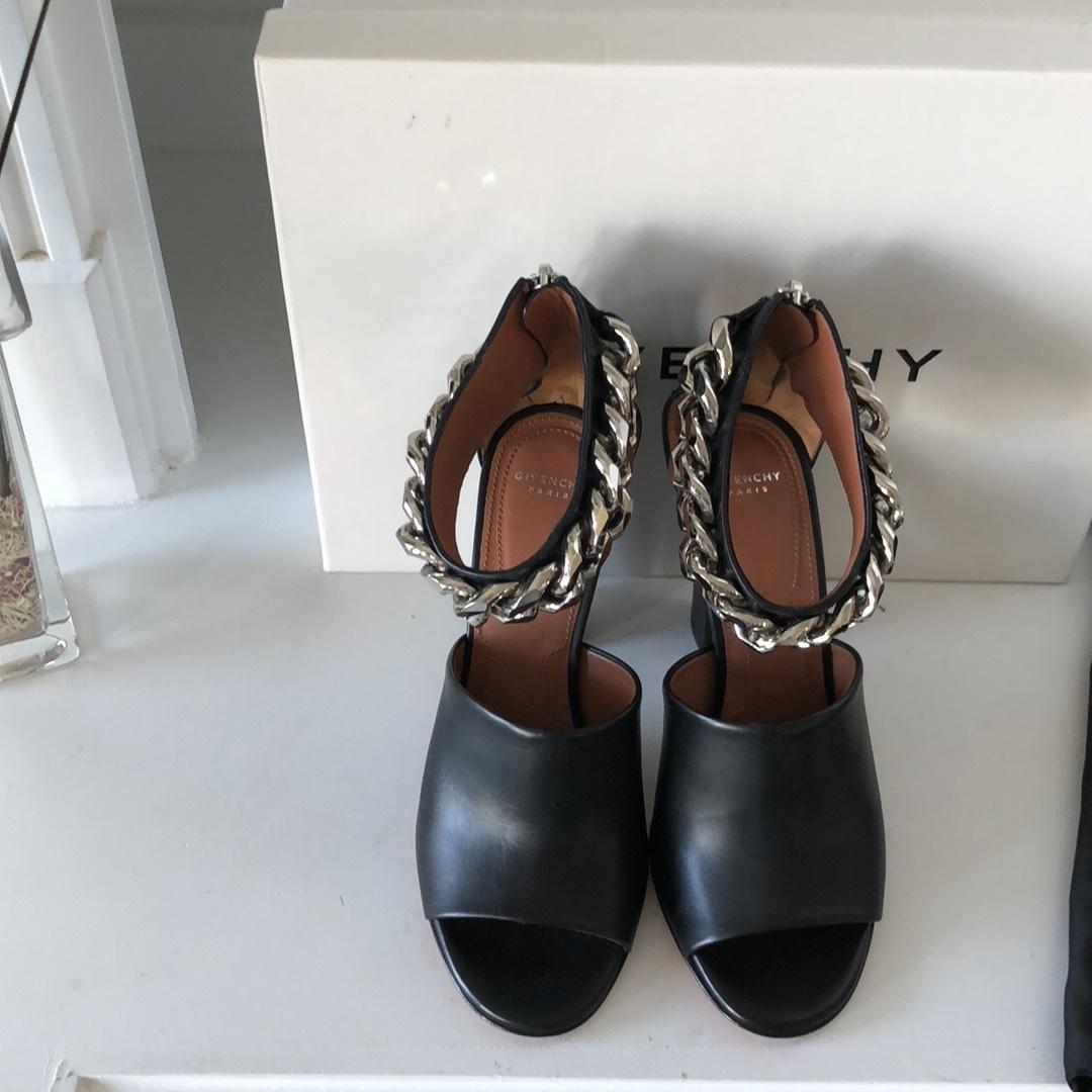 7207311c324d Givenchy Black Silver New Tal 10 Chain Sandals Sandals Sandals Size EU 37 ( Approx.