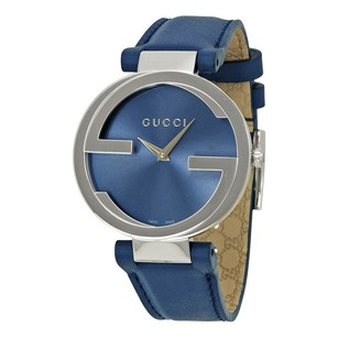 Gucci Gucci Interlocking-G Blue Dial Blue Leather Ladies Watch YA133322