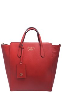 Gucci Leather Logo Tote in Red